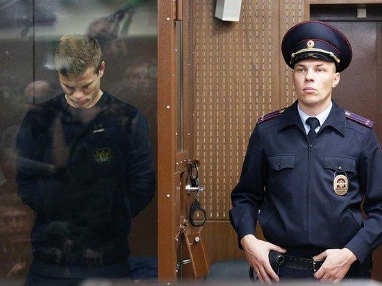Адвокат оспорила облизывание Кокорина его спутницей перед дракой