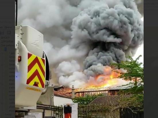 Во Франции произошел пожар у дворца в Версале