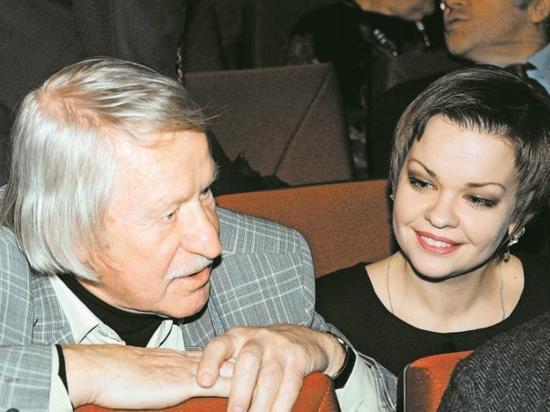 88-летний актер Краско вернулся к никогда не любившей его жене