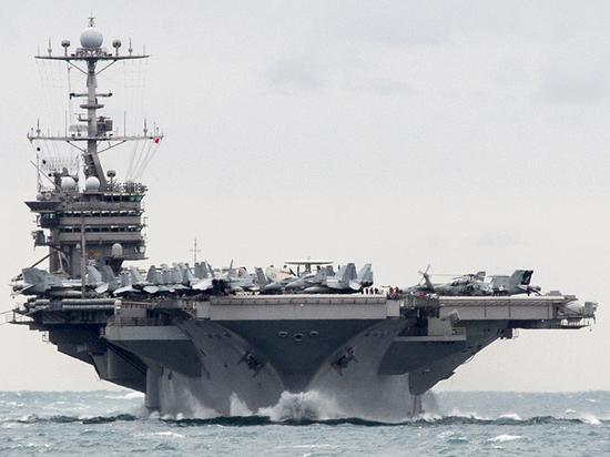 В Совфеде одернули посла США, пригрозившего России авианосцами