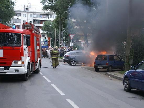 В Ленинске-Кузнецком мужчина из мести своему тестю сжёг его машину