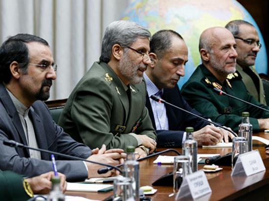 Министр обороны Ирана сравнил Трампа с Гитлером и предрек войну