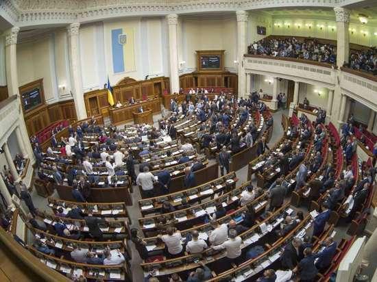 На Украине приняли драконовский закон о языке в пику Зеленскому