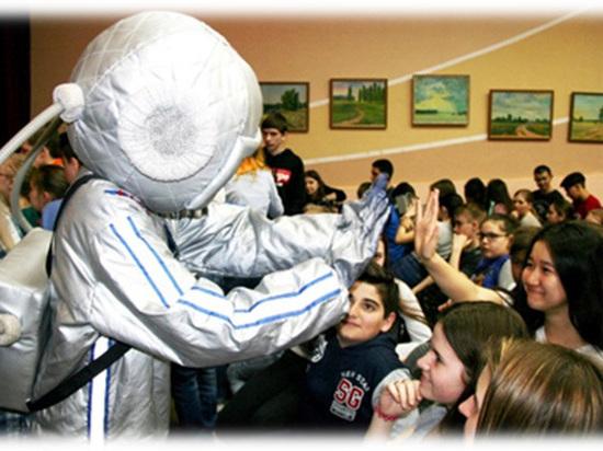 Детский лагерь «Ровесник» принял 260 ребят из Саратовской области на празднике «Мы - дети космоса»
