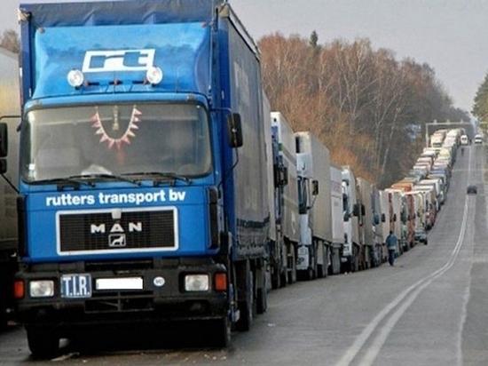 Большегрузам в Хабаровске продлили срок ограничения движения