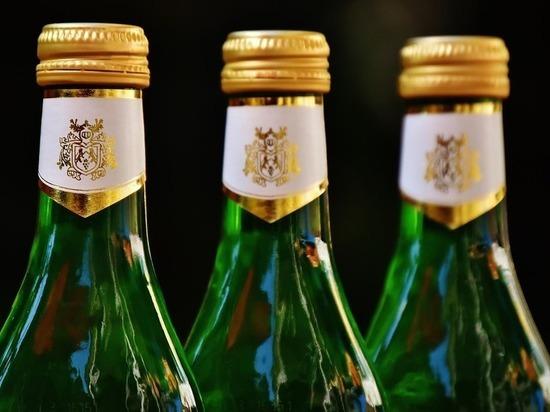 В Анжеро-Судженске женщина каталась по городу с семи сотнями литров алкоголя в багажнике