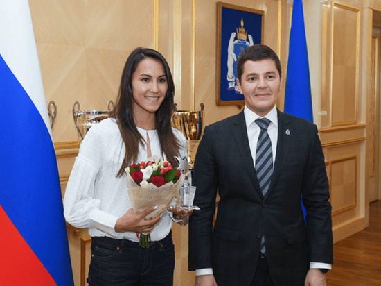 Глава ЯНАО вручил награды спортивной элите округа