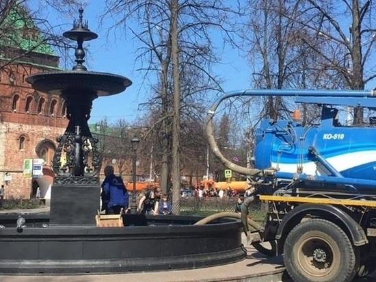 Фонтан на площади Минина и Пожарского заработает 30 апреля