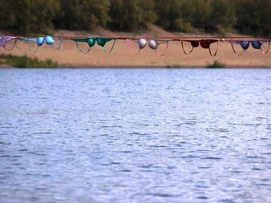 На грани морали: в Курске хотят сделать «мост» из лифчиков