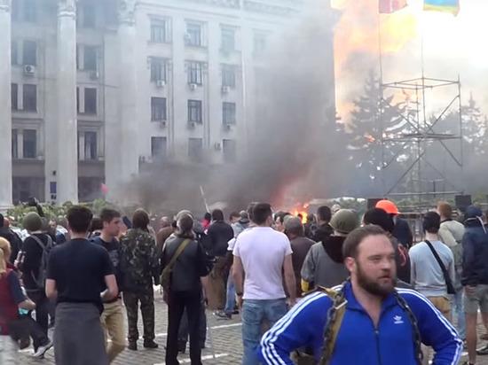 Пережившего поджог Дома профсоюзов в Одессе антифашиста решили депортировать из России
