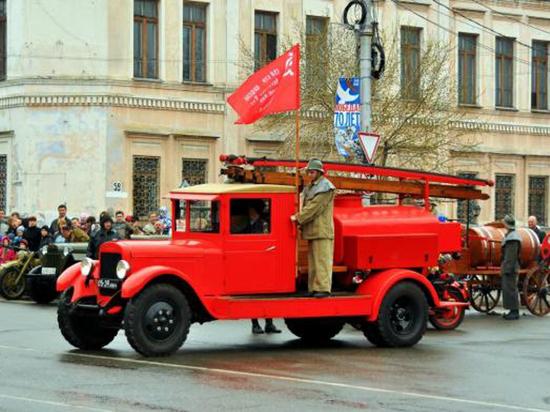 Барнаульцев зовут на шоу с пожарной техникой