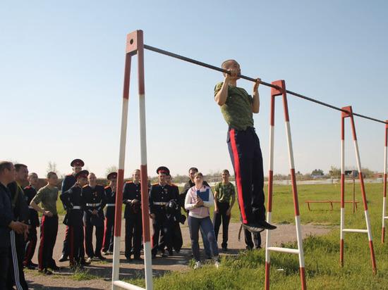 В сельском колледже Калмыкии чествовали призывников