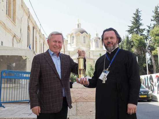Ставропольская делегация получила Благодатный огонь