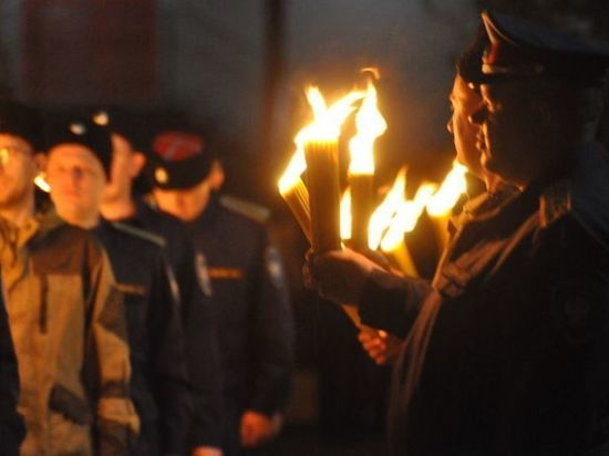 Тульские казаки привезли в  Тулу Благодатный огонь из Иерусалима