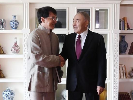Назарбаев приехал к Джеки Чану