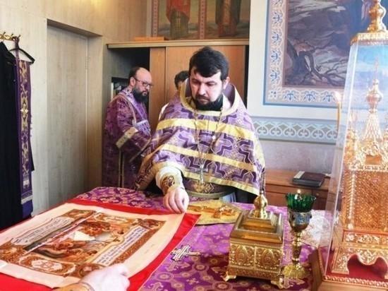 Жители Пустошки направят прошение патриарху о переводе местного священника