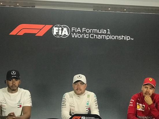 «Формула-1», итоги Гран-при Азербайджана: Квят сошёл, «Мерс» победил