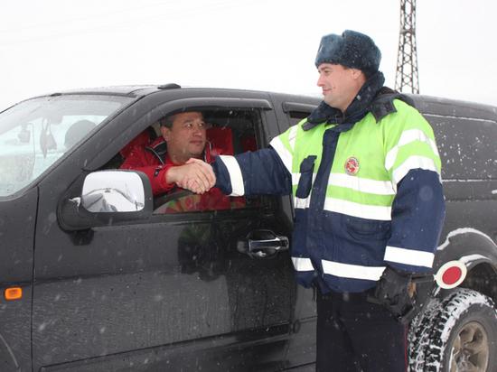 Дорожные полицейские просят красноярцев не выезжать за город