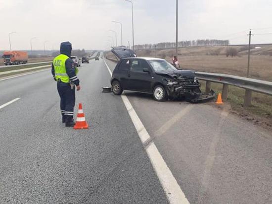 В Башкирии в ДТП попала автоледи с двумя сыновьями