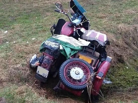 Мотоциклист из Башкирии не вошел в поворот и попал в ДТП