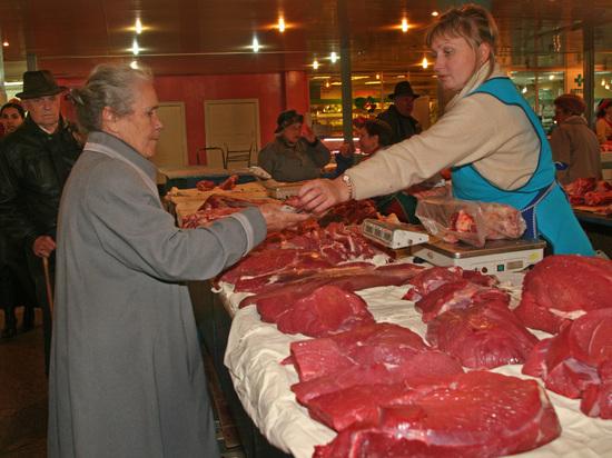 Перед майскими праздниками мясо для шашлыка стало дешевле