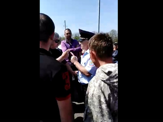 На Кубани собирают подписи против платы на участке трассы М-4, полиция угрожает штрафами