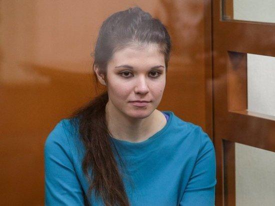 Вышедшая по УДО Варвара Караулова выступила с предостережением к девушкам
