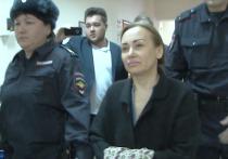 Кировский суд Уфы арестовал на два месяца 46-летнюю Элину Сомову, которую уфимский бомонд знает, как Элину Мигранову