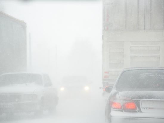 Свердловскую область засыпало снегом