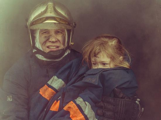 Пожарные Ямала принимают поздравления с профессиональным праздником