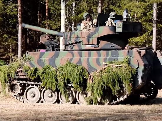 А НАТО отрабатывают столкновения с российской бронетехникой