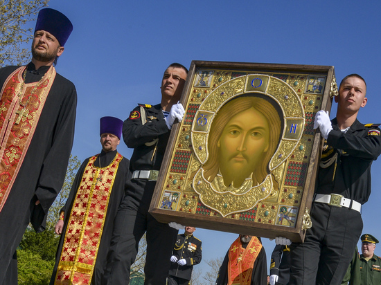 Икона главного храма Вооруженных сил начала путешествие по России с Севастополя