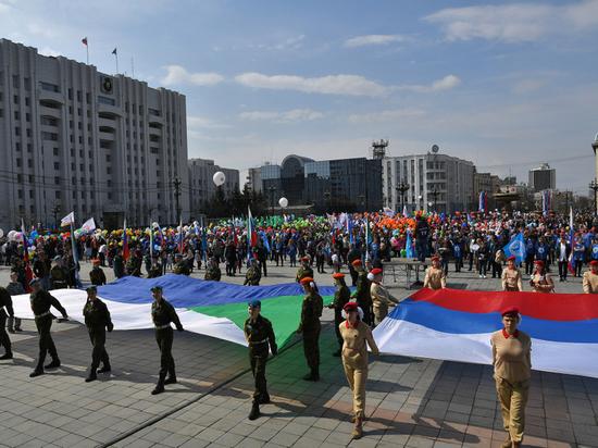 Более 35 тысяч хабаровчан приняли участие в Первомайском шествии