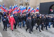 Первомай в Новосибирске вышел снежным и нежным