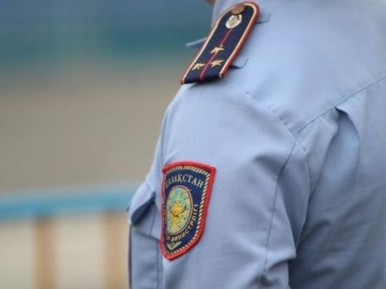 Подавшиеся в бега полицейские все еще на свободе
