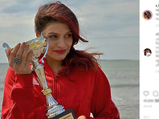 Иранской спортсменке грозит тюрьма за бокс без хиджаба