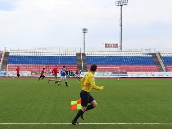 В Саранске чиновники и волонтёры встретились на футбольном поле