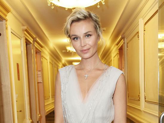 «Волочкова кусает локти»:  Полина Гагарина впечатлила шпагатом