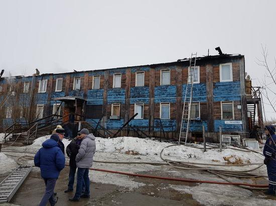 Сгоревший в Салехарде многоквартирник полностью восстановят