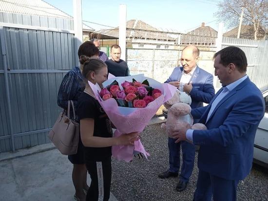 Школьниц из Лысогорской приговорили к изоляции за буллинг сверстницы