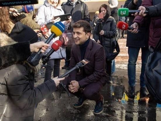 Резюме на пост пресс-секретаря Зеленского подали три тысячи человек