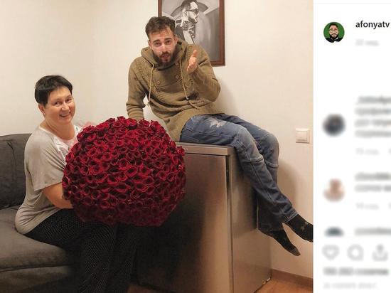 Связали в ванной: мать известного блогера ограбили на 8 млн рублей