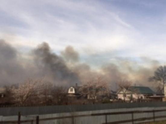 В Орске пожар в доме тушили более часа