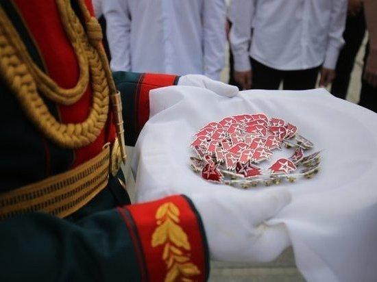 В Волгоградской области 200 школьников пополнили ряды юнармейцев