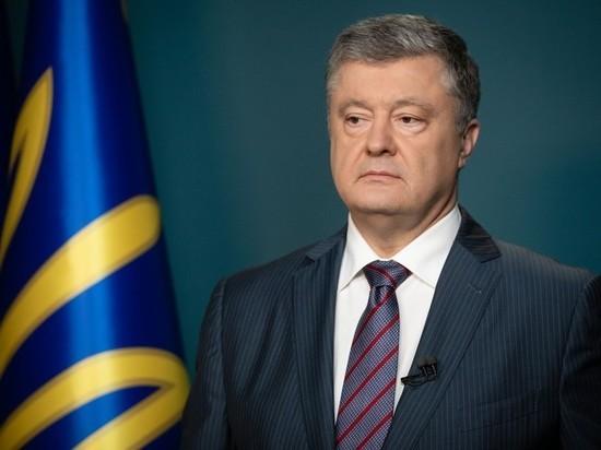 Уходящий президент «подчищает хвосты», парламентарии — спасаются от роспуска