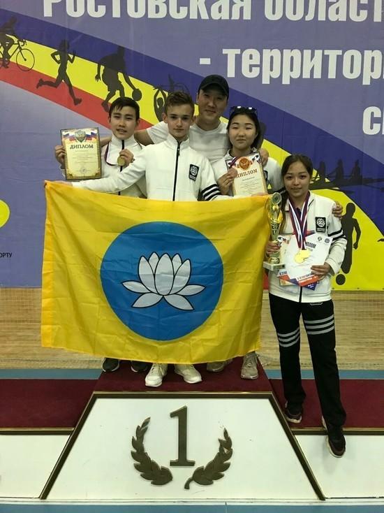 На первенстве ЮФО калмыцкие каратисты получили золотые медали