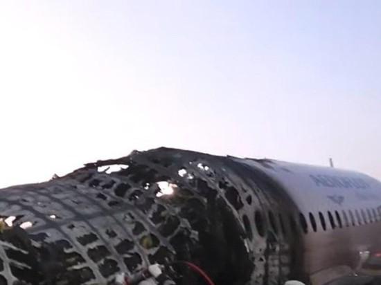 У Кремля нет позиции по трауру и запрету полетов Superjet 100