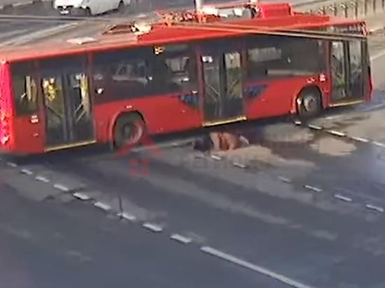 В Ярославле троллейбус сбив женщину, скрылся с места ДТП