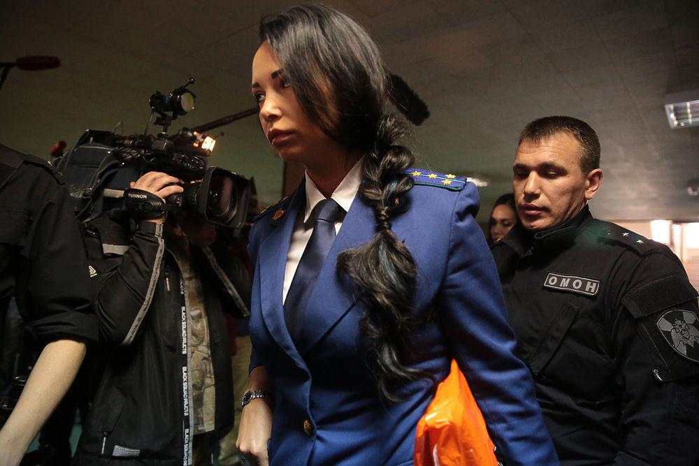 Жены в черном и футболисты, скованные по двое: суд по делу Кокорина и Мамаева