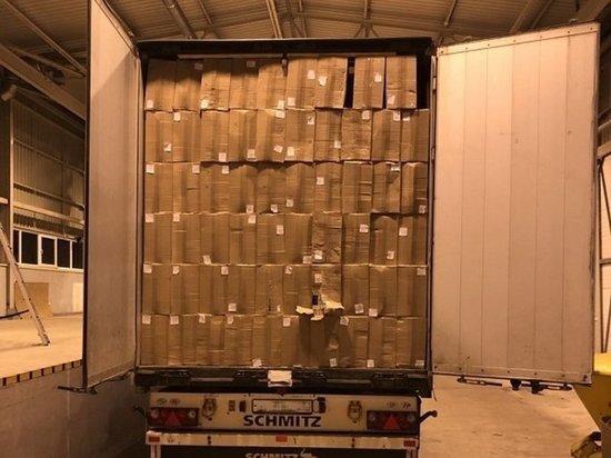 В Литве задержали грузовик из Калининграда, набитый сигаретами на 2 миллиона евро